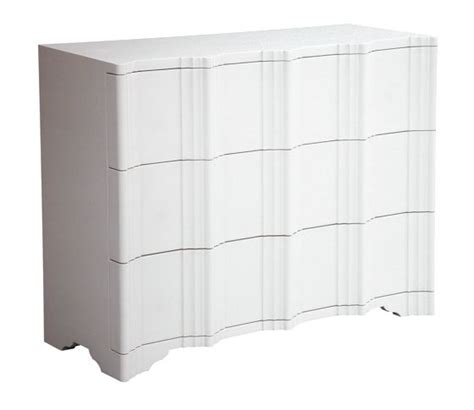 low bedroom chest of drawers 25 best ideas about low chest of drawers on pinterest