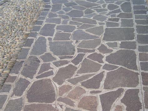 piastrelle in porfido prezzi pavimentazioni in porfido pavimenti esterni pietranova