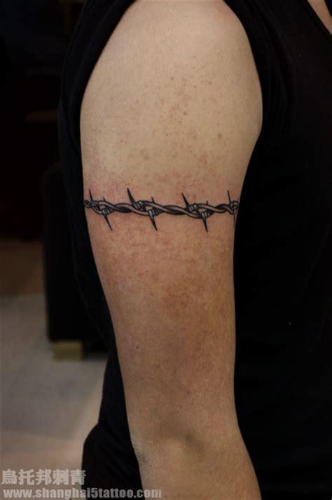 荆棘 上海纹身店 上海乌托邦纹身 专业纹身店 以专业技术和真诚态度带给每一位纹身爱好者独一无二 风格独特的精致纹身