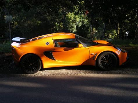 how much does a lotus elise cost