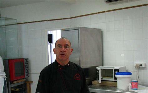 chambre de metiers bayonne bayonne un ma 238 tre chocolatier harcel 233 sud ouest fr