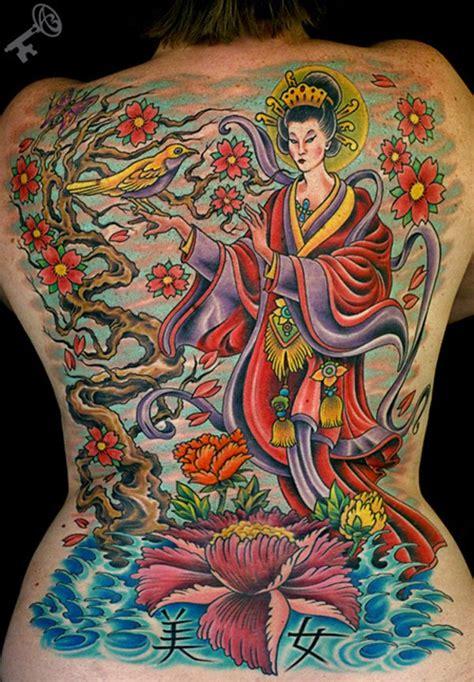 tatuaggi geisha con fiori tatuaggi giapponesi il significato gallerie fotografiche