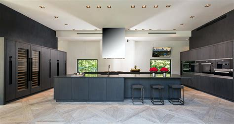 italian modern custom kitchen design with solid wood