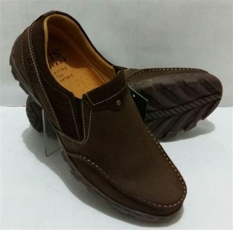 Sepatu Gats Pria jual beli sepatu kulit gats to 2205 baru sepatu sneakers