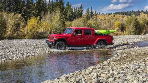 Gmc Jeep 2020 by 2020 Jeep Gladiator Goes Official With Best In Class