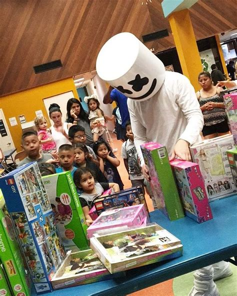 marshmello you and me singer 189 best images about marshmello on pinterest music