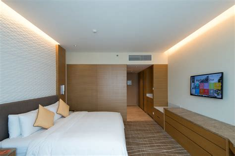 room suite accommodation orchard gateway singapore hotel review hotel jen orchardgateway singapore deluxe