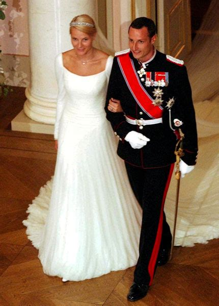 hochzeitskleid mette marit the royal order of sartorial splendor readers top 10