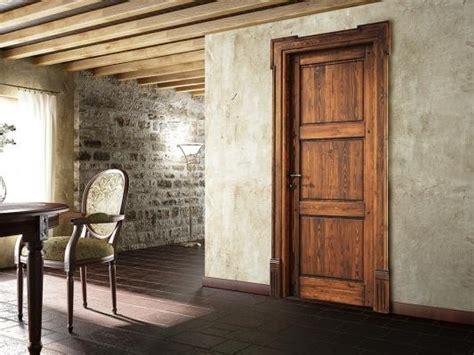 ristrutturare porte in legno montaggio porta fai da te