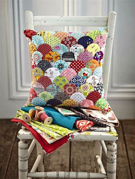 clamshell patchwork cushion for scrap fabric