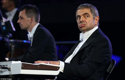 actor who looks like mr bean mr bean olympic opening rowan atkinson brings down the