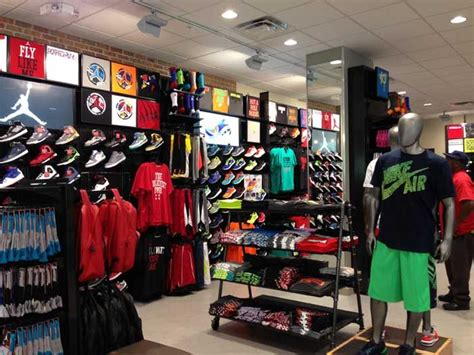 footlocker house of hoops foot locker house of hoops remodel store makeovers