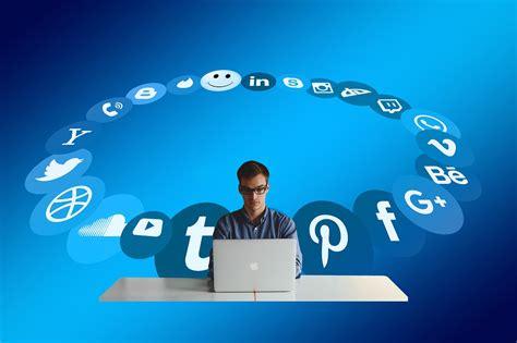 social media manager description social media manager description 2018
