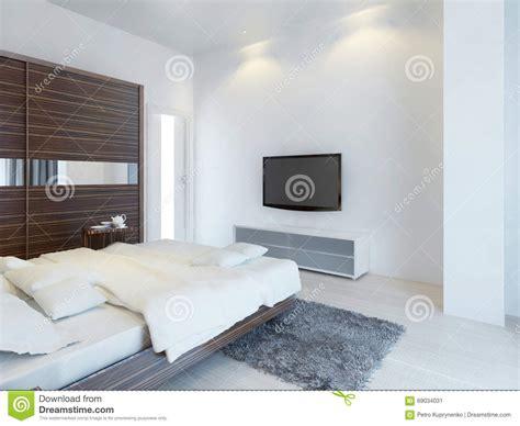 tv chambre chambre 224 coucher avec la tv et une console de media