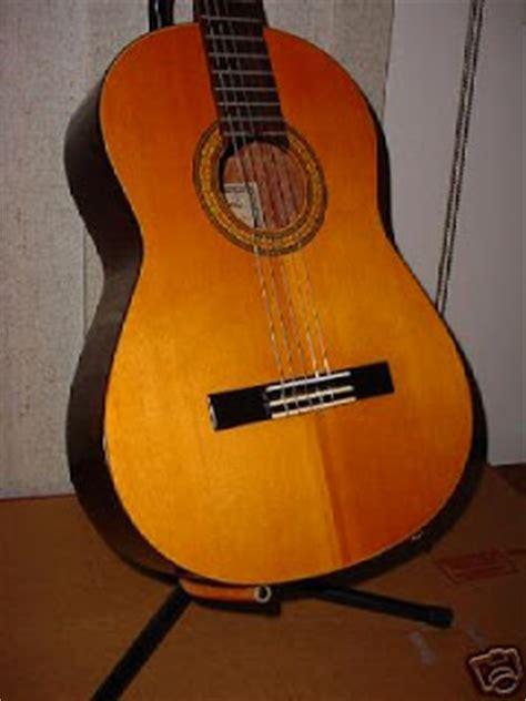 Kiso Suzuki Violin Kiso Suzuki Guitars G100 Front
