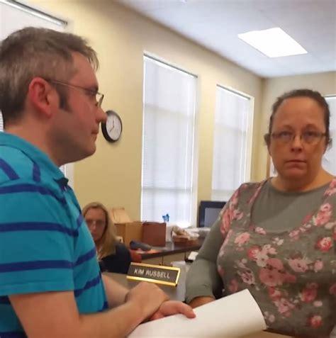 Davis County Clerk S Office by Ky Clerk Defies Federal Judge By Rejecting