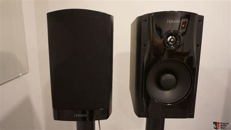 definitive technology studiomonitor 55 bookshelf speakers