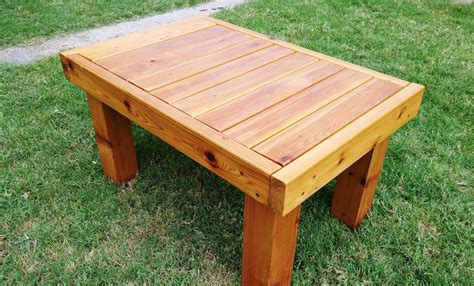 Cedar Patio Coffee Table Homediygeek Cedar Patio Table