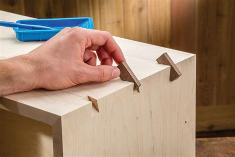 woodworking box joint jig to make large decorative splines to dress up large