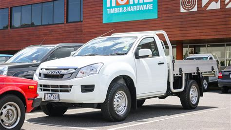 isuzu dmax 2015 2015 isuzu d max review 4x2 sx high ride cab chassis