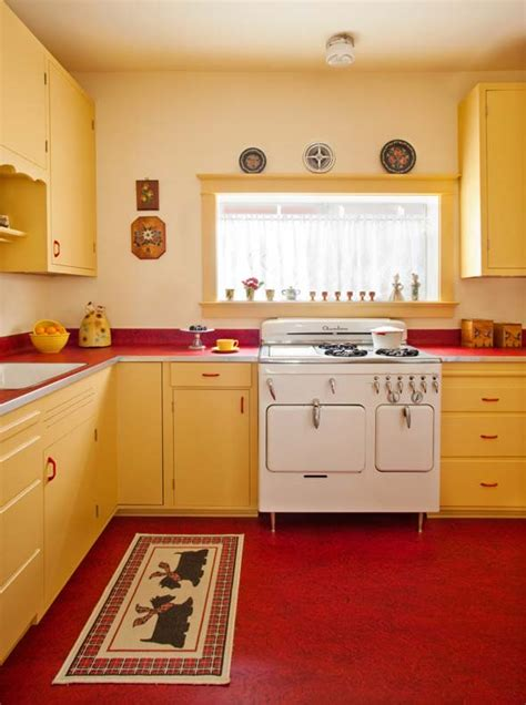 1940s Kitchen Design Great 1940 S Retro Kitchen Redesign Kitchen Accents Include Vintage Working Accessories A