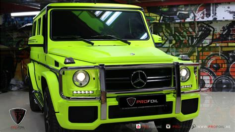 lada a fluorescenza g63 amg gets neon yellow wrap from profoil