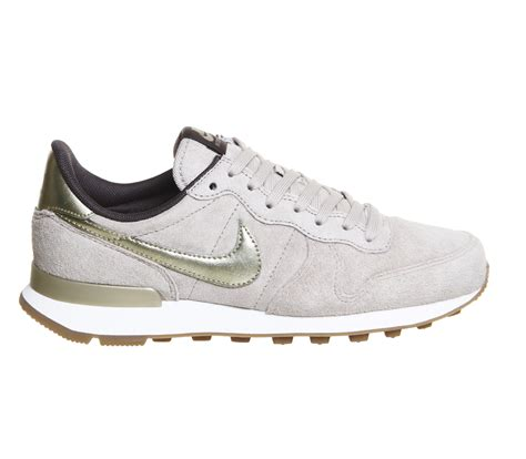 nike sneakers nike internationalist suede low top sneakers in