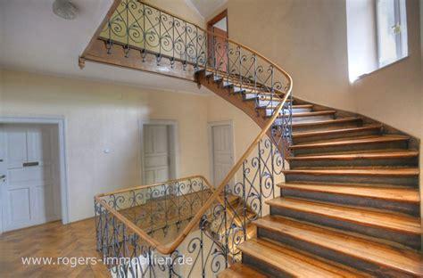 treppenflur farblich gestalten charmanter altbau aufwendig renoviert