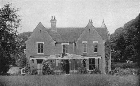 membuat rumah hantu kisah horor dari 5 rumah hantu paling angker di dunia