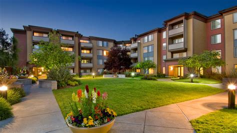 apartment courtyard artistry emeryville apartments emeryville ca 6401