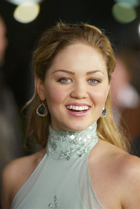 erika christensen child actress this tv review of parenthood is the best thing you ll read