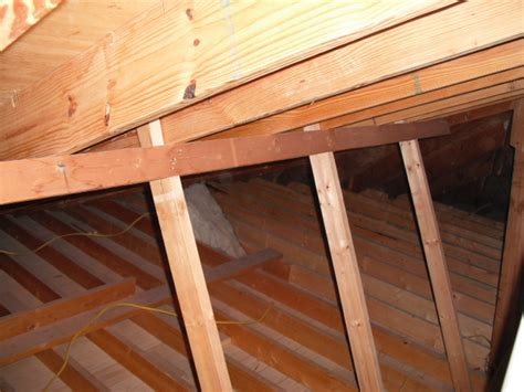Supporting Ceiling Joists by Proper Support For Tile Roof Question