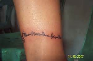 my ankle bracelet tattoo with the names of my family