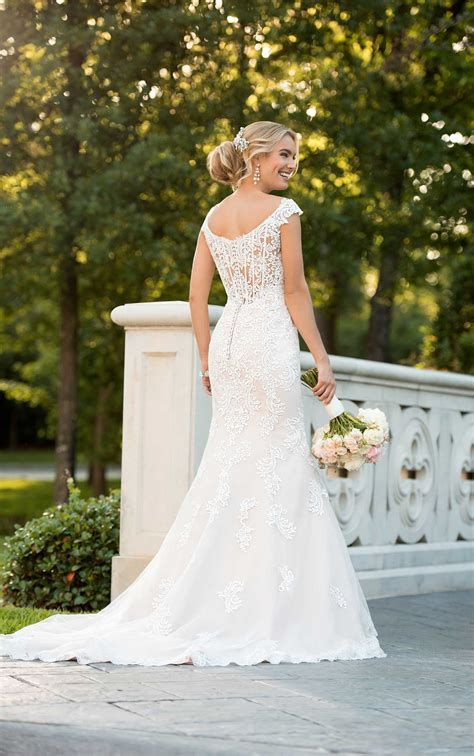 modern lace mermaid wedding dress stella york wedding gowns