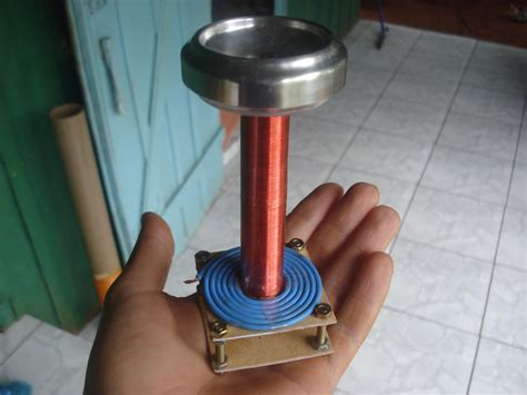 How To Build A Mini Tesla Coil Mini Bobina De Tesla Sgtc 1 Mini Tesla Coil
