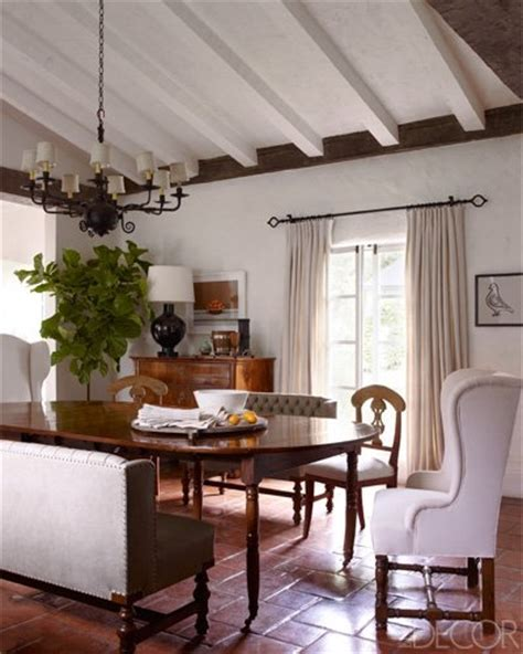 elle decor celebrity homes reese witherspoon s ojai home in elle decor september 2012