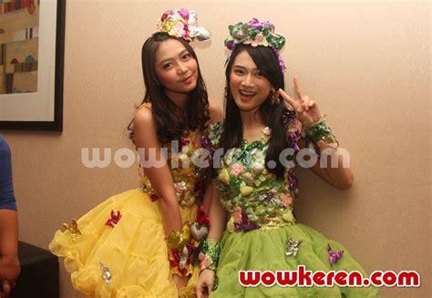 Harga Mustika Puteri Lovely Mood foto jkt48 dalam acara launching produk mustika puteri