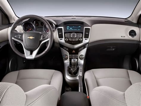 features of chevrolet cruze 2015 chevrolet cruze review global cars brands