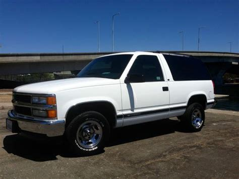1999 2 Door Tahoe by Sell Used 1999 Chevrolet Tahoe 2 Door 2wd Blue
