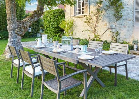 agréable Carrefour Chaise De Jardin #4: carrefour_salon_de_jardin_avec_longue_table_de_repas_en_bois_et_des_chaises_nouvelles_collections_hyba_2016_tendance_romantic.jpg