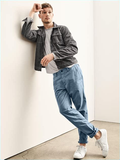 Gap Branded Denim Jacket gap 2016 fall s essentials