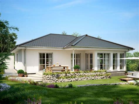 Moderne Bungalows Mit Walmdach by Rensch Haus Flatline R Wohnen Auf Einer Ebende