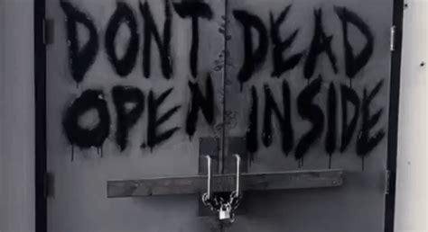 Kaos The Walking Dead Dont Open Dead Inside Putih 1 don t open dead inside gifs find on giphy