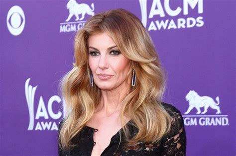 faith hills scar on neck from undisclosed surgery in january faith hill underwent neck surgery before oscars wide