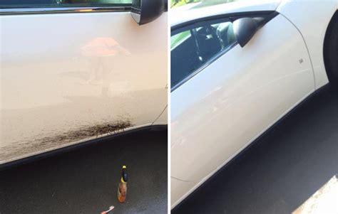 Lack Polieren Zahnpasta by Man Reibt Zahnpasta Auf Die Scheinwerfer Vom Auto Danach