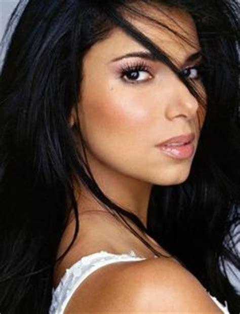 hispanicw with dark hair hispanic beauty