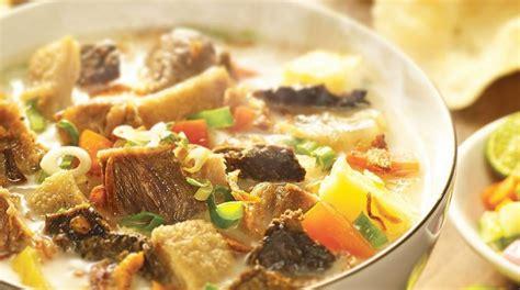 membuat soto ayam betawi 5 resep soto betawi favorit yang dijamin rasanya awet di lidah