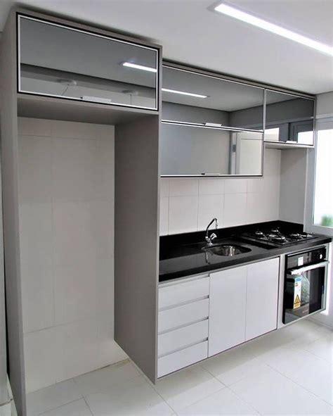 cozinha feita em  mdf nas cores cinza cristal  gris