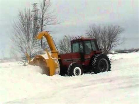 lucknow snowblower on a 986 international tractor 2 homemade snowblower on tractor doovi