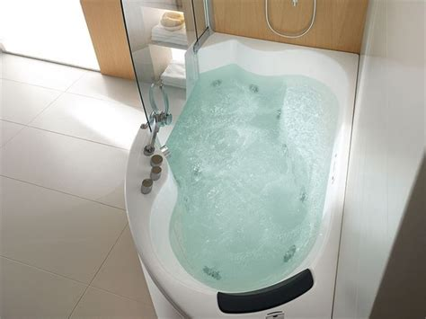 bathtubs and showers for small spaces jetted tubs small spaces 28 images interior corner